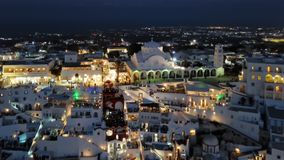 Nacht luchtpanorama van Fira-stad, Santorini stock videobeelden
