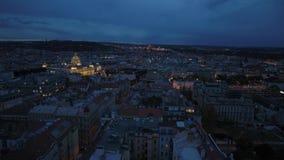 Nacht luchtpanorama van Praag stock footage