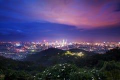 nacht mening van guangzhou stock fotografie