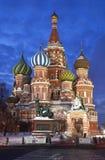 Nacht Moskou. St. de Kathedraal van het basilicum Stock Afbeeldingen