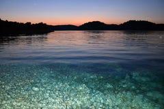 Nacht op het overzees op eiland Lastovo Stock Afbeelding