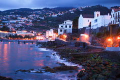 Nacht op Kerstman Cruz in het eiland van Madera stock foto's