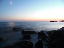 Nacht op zee Stock Foto