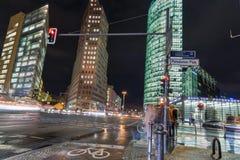 Nacht Potsdamer Platz in Berlijn, Duitsland stock afbeelding