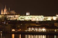 Nacht in Praag stock afbeelding