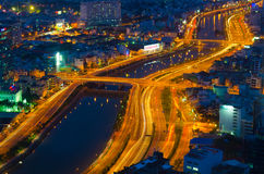 Nacht Saigon, Ansicht vom Finanzturm Bitexco Lizenzfreie Stockbilder