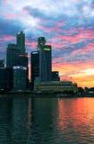 Nacht-Singapur-Skyline Stockfoto