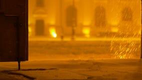 Nacht Sneeuwende Poort stock videobeelden