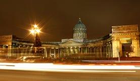 Nacht St Petersburg Lizenzfreie Stockfotografie