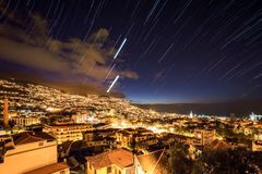 Nacht startrails Funchal Madera royalty-vrije stock afbeelding
