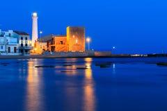 Nacht an Strand Punta Secca - Montalbano-Schmierfilmbildungs-Standort Lizenzfreie Stockbilder