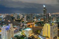 Nacht van de Metropolitaanse Mooie zonsondergangcityscape stad Thailand van Bangkok stock foto's