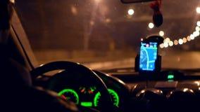 Nacht van de stads de drijftaxi stock videobeelden