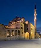 Nacht van Fatih Mosque, Istanboel, Turkije wordt geschoten dat stock foto's