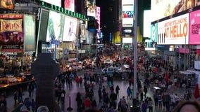 Nacht van Times Square wordt geschoten dat stock video
