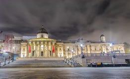 Nacht van Trafalgar Square, Londen wordt geschoten dat Stock Foto