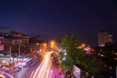 Nacht van Warorot-Markt (Kad Luang dat) wordt geschoten Stock Afbeeldingen