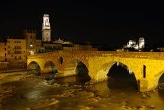 Nacht in Verona, Italië Stock Fotografie
