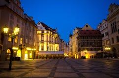 Nacht, Vierkant Staromestska (het Oude Vierkant van de Stad), Praag Stock Fotografie