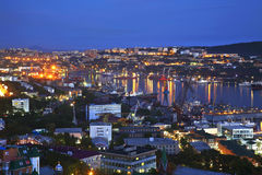 Nacht Vladivostok. Rusland Royalty-vrije Stock Foto's