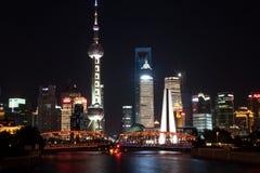 Nacht von Shanghai Stockfotos