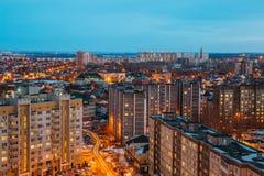 Nacht-Voronezh-Stadtbild von der Dachspitze 3d übertragen Abbildung Stockfotografie