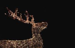 Nacht-Weihnachten-bulp wie Rotwildformdekoration lizenzfreie stockfotos