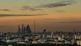 Nacht zum Tag hohe Ansicht des 5-Stunden-Zeitspanne-Stadtbilds stock video footage