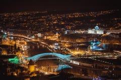 Nachtansicht der alten Stadt in Tiflis Stockfotos