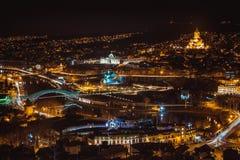 Nachtansicht der alten Stadt in Tiflis Lizenzfreie Stockfotos