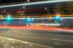 Nachtansicht der BRITISCHEN Autobahn-Landstraße Lizenzfreie Stockfotografie