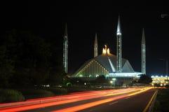 Nachtansicht der Faisal Moschee Stockfoto