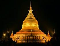 Nachtansicht der goldenen Dhammayazika-Pagode in Bagan, Myanmar Stockbilder