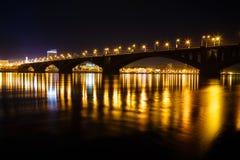 Nachtansicht der Stadt Stockbilder