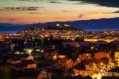 Nachtansicht der Stadt von Ohrid Lizenzfreies Stockfoto