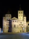 Nachtansicht der Trier-Kathedrale Lizenzfreie Stockbilder