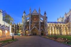 Nachtansicht des berühmten Westminster Abbey, London, vereinigter König Lizenzfreie Stockfotografie