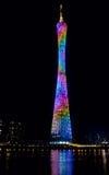 Nachtansicht des Bezirk-Turms, Guangzhou, China Stockbilder