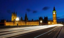 Nachtansicht des Hauses des Parlaments Stockfotografie