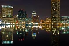 Nachtansicht des inneren Hafens Stockfoto