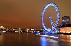 Nachtansicht des London-Auges Lizenzfreie Stockfotografie