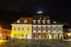 Nachtansicht des Rats-Quadrats am 15. Juli 2014 in Brasov, Rumänien Lizenzfreies Stockbild