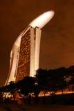 Nachtansicht des Sandhotels Stockfotografie