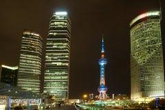 Nachtansicht des SHANGHAIS, CHINA lizenzfreie stockfotografie