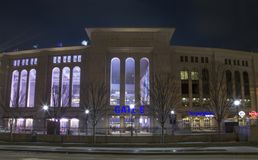 Nachtansicht des Yankee Stadium im Bronx New York stockfotos