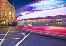 Nachtansicht London-A des Busses Lizenzfreie Stockfotografie