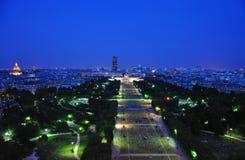 Nachtansicht vom Eiffelturm Stockfotos
