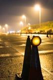 Nachtansicht von BRITISCHEN Autobahn-Landstraßen-Straßenarbeiten Lizenzfreie Stockbilder
