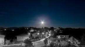 Nachtansicht von Forano Rieti Italien lizenzfreies stockfoto
