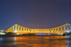 Nachtansicht von Howrah-Brücke stockbilder